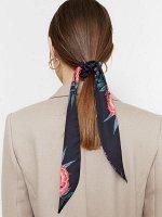 Резинка для волос с декоративной лентой