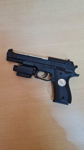 Пистолет мех лзерн прицел пакет 23*13см