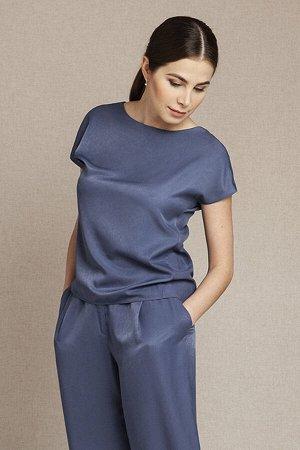 Красивая блузка из очень приятной ткани