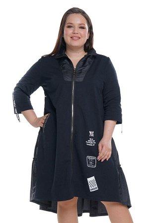 Платье Длина платья: Ниже колена; Материал: Трикотаж, болоньевая ткань;    Длина рукава: 3/4 рукав; Параметры модели: Рост 168 см, Размер 54 Платье с болоньевой вставкой с ярусами сзади черное