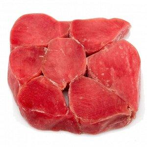 Филе Тунца Мясо тунца высоко ценится на мировом рынке за счет наибольшего содержания белка (22,26 %) среди всех рыб, а также уникальных жиров омега-3, незаменимых аминокислот, витаминов A, B, E, PP, м