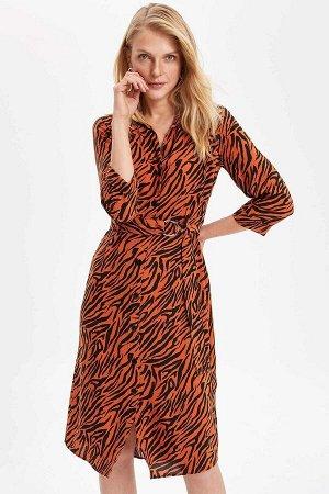 Платье без пояса в комплекте