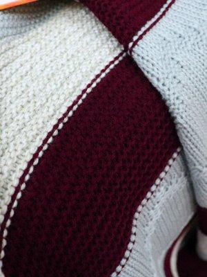 Плед Ткань: Трикотаж Состав: 100% акрил Цвет: бордовый/серый Год: 2021 Страна: Россия Плотность: 420 гр/м2 Упаковка: Атласная лента Размер товара в упаковке: 27*35*14 Комплектация: Плед 180*200 см 1 ш