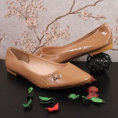Спортивная и повседневная обувь из эко-кожи и текстиля.  — Обувь женская. РАСПРОДАЖА зимней обуви — Кожаные