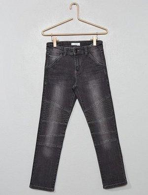 Узкие брюки в байкерском стиле