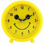 """Часы-будильник """"Смайлик"""" д10,5х4см, циферблат желтый, пластм"""