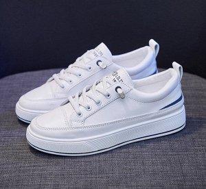 Женские кроссовки, цвет белый, синяя полоса