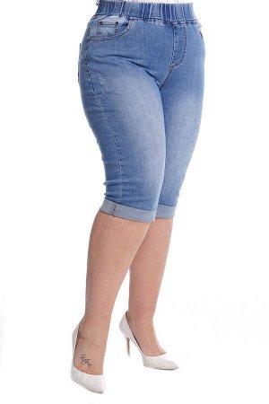Капри-5161 Материал: Джинсовая ткань;   Фасон: Капри; Параметры модели: Рост 173 см, Размер 54 Капри джинсовые на резинке с отворотом синие Длина изделия 50 размера по спинке - 70 см. В каждом следующ