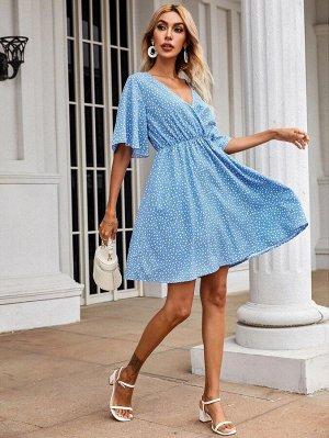 Платье с принтом сердечка и оригинальным рукавом