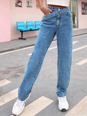 Прямые джинсы с карманом