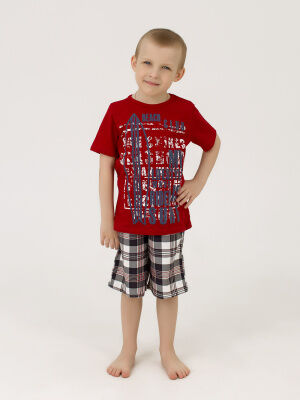 Костюм Цвет: красный; Состав: Хлопок 100 %; Материал: Кулирка Костюм выполнен из мягкого хлопкового материала и состоит из футболки с коротким рукавом и шорт. Данная модель отличается свободным кроем,