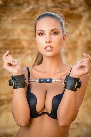 Кожаные наручники Lady's Arsenal