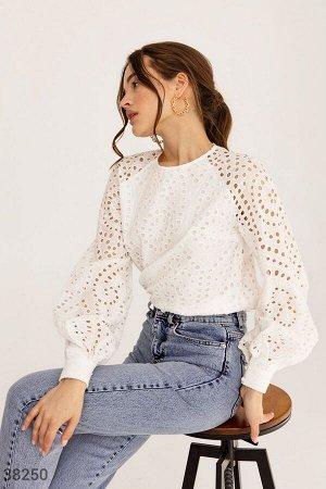 Белая романтичная блуза из прошвы