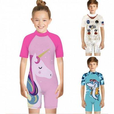 🌸 Летнее обновление! Джинсы, футболки, майки, комбинезоны — Детские купальные комбинезоны с яркими принтами — Костюмы и комбинезоны
