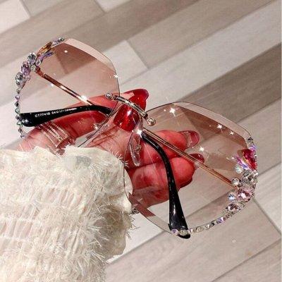 STильная одежда на каждый день! Дарим подарки! — Очки солнцезащитные — Солнечные очки