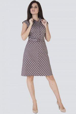Платье Женское платье с коротким рукавом, расклешенное от бедра к низу и с отложным воротничком на стойке. Застежка расположена спереди и закрепляется пуговицами по планке, по талии тканевый пояс на п