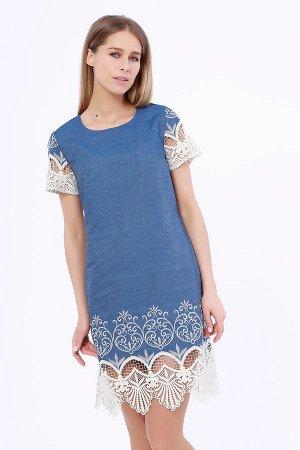 Платье Женское платье приталенного силуэта, с коротким рукавом. Застежка расположена сзади по спинке и закрепляется пуговицей. Выполненное в джинсовой ткани с элегантным кружевом, оно станет лучшим в
