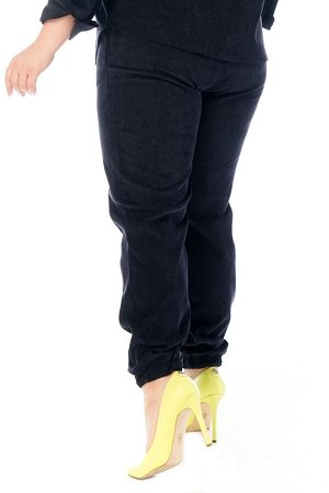 Брюки-4711 Модель брюк: Джоггеры; Материал: Микровельвет;   Фасон: Брюки; Параметры модели: Рост 168 см, Размер 54 Брюки микровельвет синие Длина изделия 50 размера по спинке 98 см. В каждом следующем