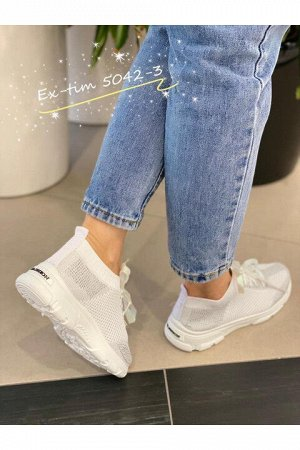 Женские кроссовки 5042-3 белые