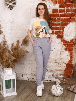 Брюки Цвет: серый меланж; Состав: 70% хлопок, 25% п/э, 5% лайкра; Материал: Футер двухнитка Молодежные брюки - джогеры из футера, карманами в боковых швах и резинкой по низу брючин. Идеально впишутся