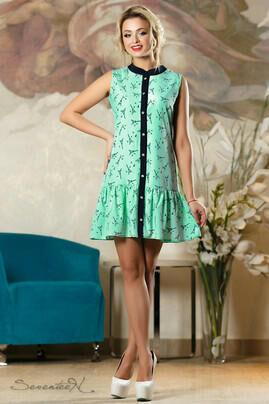 Платье Материал: софт Длина изделия по спине: M = 87 см Это очаровательное легкое платье покорит любительниц утонченных женственных образов, а его игривая слегка расклешенная юбочка подчеркнет ваши но