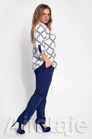 Костюм с блузкой в геометрический узор