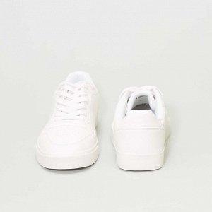 Белые кеды - белый