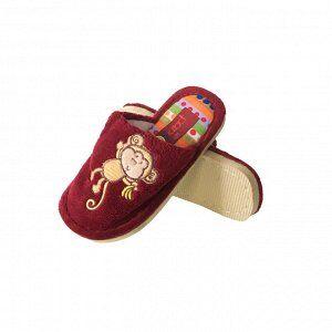 Модель маломерит, смотрите описание. Размер 32. Уютные детские тапочки Kid_style с яркой нашивкой цвета кармин.