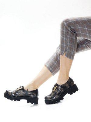 Ботинки Страна производитель: Турция Размер женской обуви x: 36 Полнота обуви: Тип «F» или «Fx» Вид обуви: Полуботинки Сезон: Весна/осень Материал верха: Лаковая кожа натуральная Материал подкладки: Н