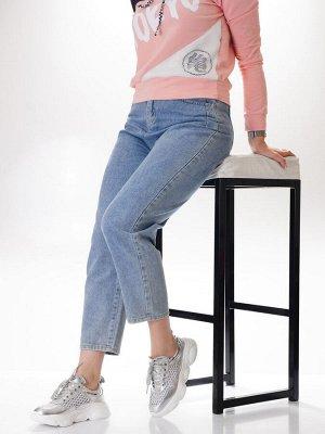 Кроссовки Страна производитель: Китай Размер женской обуви x: 37 Вид обуви: Кроссовки Пол: Женский Застежка: Шнуровка Цвет: Серебристый Материал верха: Натуральная кожа Материал подошвы: Резина Матери