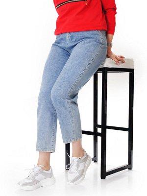 Кроссовки Страна производитель: Китай Размер женской обуви x: 36 Вид обуви: Кроссовки Пол: Женский Застежка: Шнуровка Цвет: Белый Материал верха: Натуральная кожа Материал подошвы: ПВХ Материал подкла