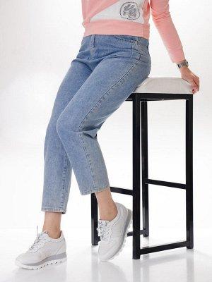 Кроссовки Страна производитель: Китай Размер женской обуви x: 36 Вид обуви: Кроссовки Пол: Женский Застежка: Шнуровка Цвет: Белый Материал верха: Натуральная кожа Материал подошвы: Натуральная кожа Се