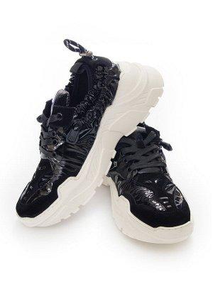 Кроссовки Страна производитель: Китай Размер женской обуви x: 35 Вид обуви: Кроссовки Пол: Женский Застежка: Шнуровка Цвет: Черный Материал верха: Замша Материал подошвы: Резина Материал подкладки: Те