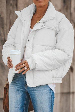 Белая укороченная куртка-пуховик
