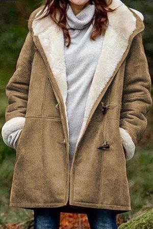 Коричневое утепленное пальто с капюшоном и карманами