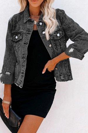 Темно-серая джинсовая куртка с застежкой на пуговицах и отложным воротником