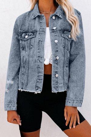Голубая джинсовая куртка с застежкой на пуговицах и отложным воротником