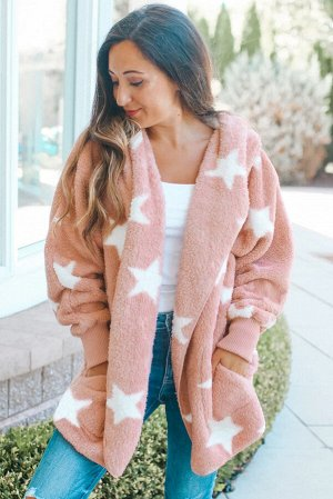 Розовое пушистое пальто со звездами и лацканами на воротнике