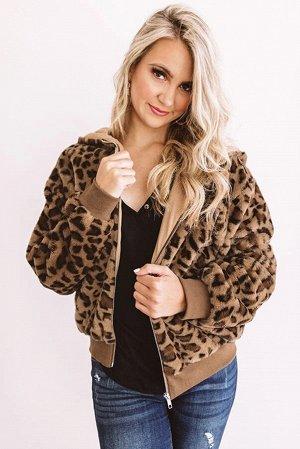 Коричневая плюшевая куртка с леопардовым принтом