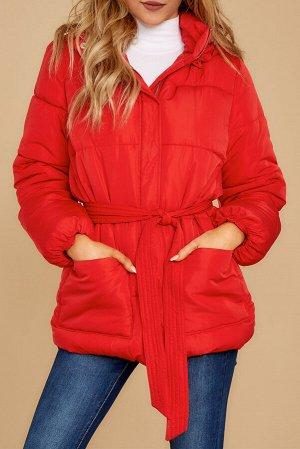 Красная куртка-пуховик