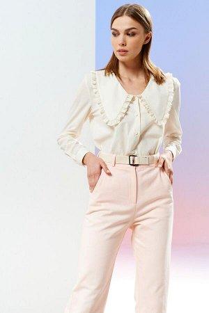 Блузка Рост: 170 см. Состав ткани: 97% хлопок, 3% спандекс Блузка женская из хлопковой ткани, прямого силуэта, застежка по переду сверху до низа блузки, на планку. Рукава втачные, одношовные, длинные,