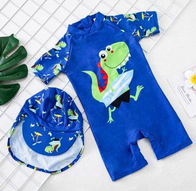 Детские купальники, плавки, панамы, пончо, водяные пистолеты — Купальные солнцезащитные комбинезоны для мальчика