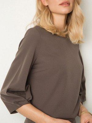 Блузка с драпировкой на рукавах