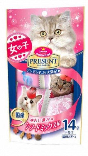 Хрустящее лакомство PRESENT для избалованных котов на основе тихоокеанских морепродуктов 42гр