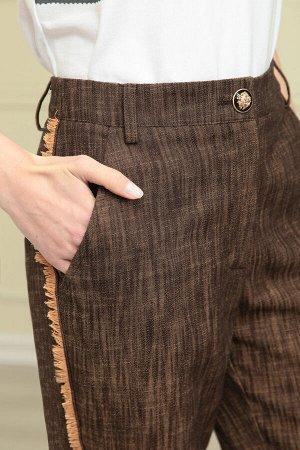 Костюм Костюм Linia-L А-1875 коричневый  Состав: Костюм: ПЭ-39%; Хлопок-58%; Эластан-3%; Подкладка: Вискоза-45%; ПЭ-55%; Сезон: Весна-Лето Рост: 170  Костюм из текстильной джинсовой ткани, состоящий