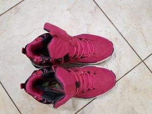 Кроссовки Очень крутые кроссовки , цвет ярче!