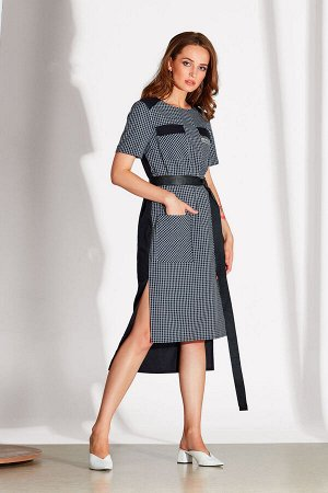 Платье Платье NOCHE MIO 1.140-2  Состав: ПЭ-23%; Хлопок-74%; Эластан-3%; Сезон: Лето Рост: 164  Дизайнерское платье, выполненное из комбинированных хлопковых полотен. Платье без ремня.