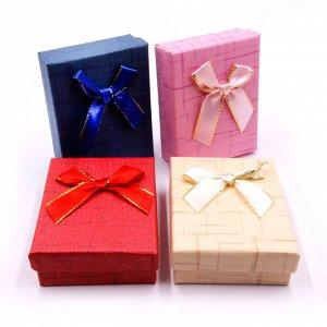 Коробочка мал подарочная с бантиком 7см-9см-3см