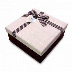 Коробочка МОЛОЧНЫЙ ШОКОЛАД сред подарочная с бантиком 17.5см-17.5см-8см коричневая