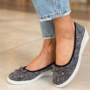 Тапочки Легкие тапочки - это обувь для тех, кому надоели мозоли и тесная обувь, кто хочет выглядеть стильно и ценит индивидуальный подход !